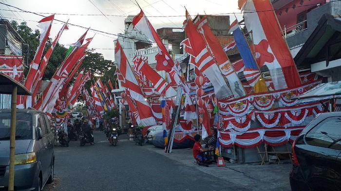 Penjualan Pernak-pernik Agustusan di Surabaya Tak Terpengaruh Perpanjangan PPKM Level 4