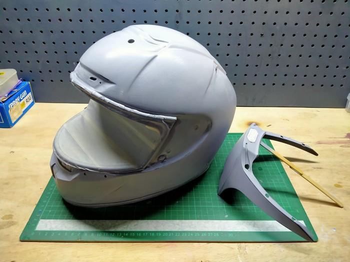 Proses pengerjaan repaint helm