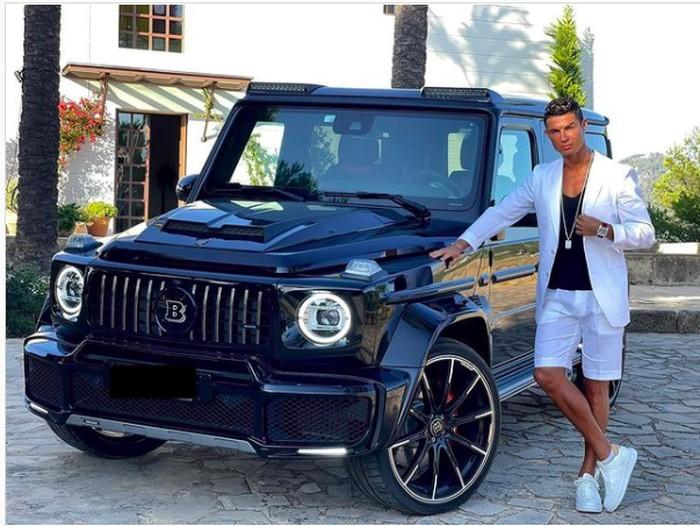 Ronaldo Pamer Brabus G-Class Hadiah Ultah dari Pacar