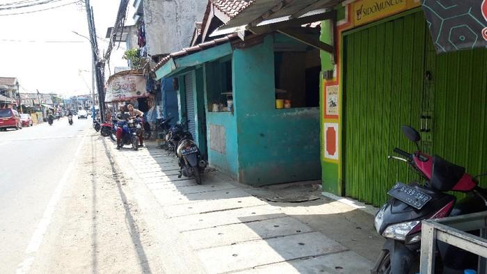 Saluran air di Jl Tipar Cakung, Cakung Barat Jakarta Timur yang sempat bermasalah kini sudah diperbaiki. Proyek galian got yang jadi penyebab masalah pun sudah selesai dikerjakan.