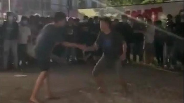 Tarung bebas di Makassar yang viral (Screenshot video viral)