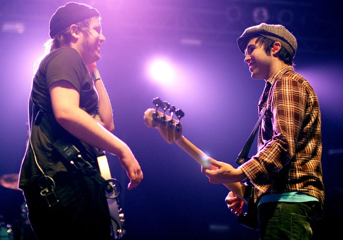 AUCKLAND, NEW ZEALAND - FEBRUARY 23: Patrick Stump (L) and Pete Wentz of the band Fall Out Boy perform on stage at the Vector Arena on February 23, 2009 in Auckland, New Zealand.  (Photo by Hannah Peters/Getty Images)