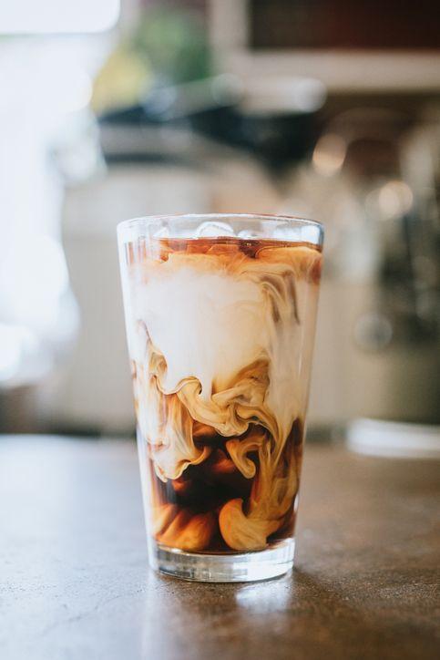 Cara membuat es kopi susu pakai kopi instan