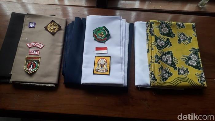 Contoh satu set kain seragam sekolah Rp 800 ribu