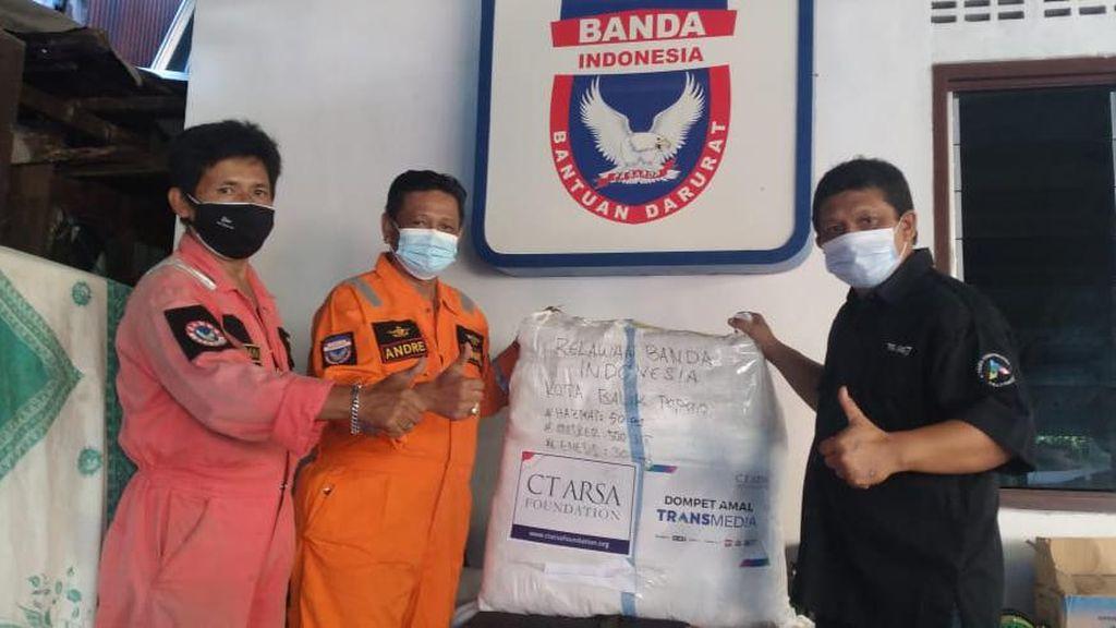 CT ARSA Foundation Beri Bantuan APD untuk Relawan Banda di Balikpapan