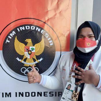 Foto Nurul Akmal, atlet angkat besi.