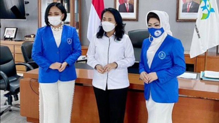G20 EMPOWER INDONESIA DAN REPRESENTASI EKONOMI PEREMPUAN GLOB