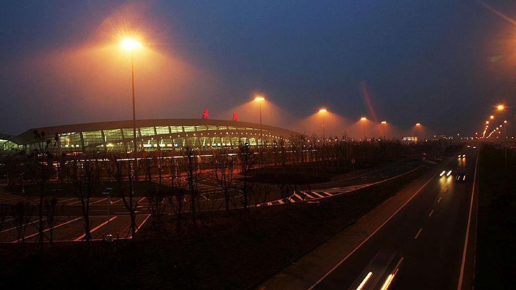 Gegara Varian Delta Melonjak, Bandara di China Ditutup