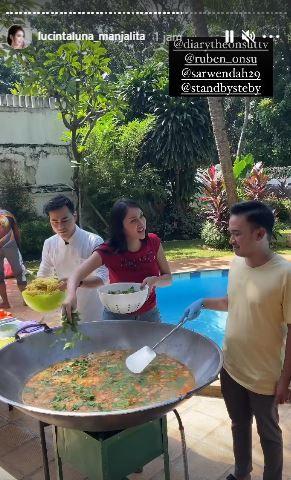 Keluarga Ruben Onsu Masak 5 Makanan Enak Ini Pakai 'Wajan Kramat' Raksasa