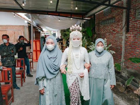 KIsah viral pasangan yang menikah secara virtual.