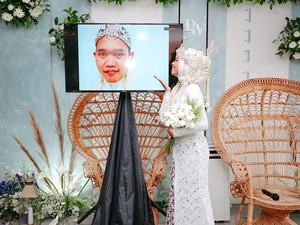 Viral Wanita Ini Jadi Pengantin Sendirian, Mempelai Prianya Kena Corona