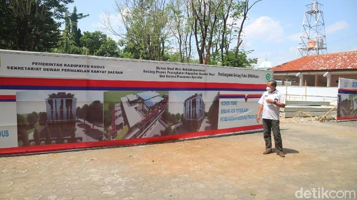 Pembangunan gedung fraksi DPRD Kudus, Kamis (5/8/2021).