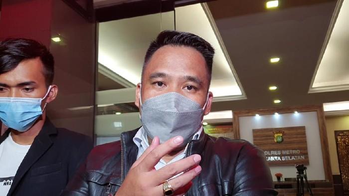 Pengacara Dinar Candy, Acong Latief