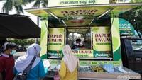 Salut! Katering Haji Ini Sediakan Dapur Umum untuk Nakes
