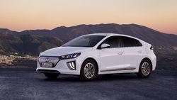 Horeee..! Indonesia Produksi Mobil Listrik Pertama Mei 2022