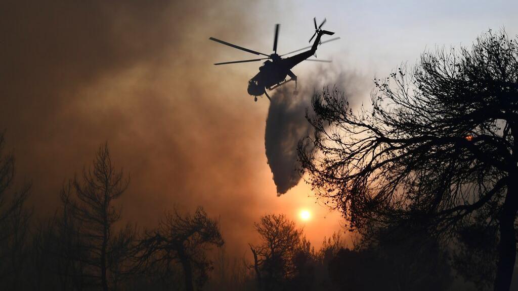 Kebakaran Hutan di Yunani Terus Berkobar, Ribuan Orang Dievakuasi