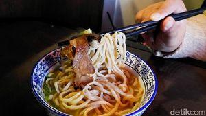 Nikmatnya Mie ala Chinese Topping Brisket di Resto Bergaya Kontemporer