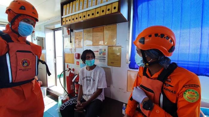 Triyono (26) warga Pemalang, Jawa Tengah saat dievakuasi Tim Basarnas Balikpapan (istimewa)