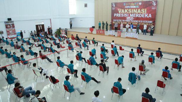 Vaksinasi COVID-19 1.000 mahasiswa UIN Mataram, NTB