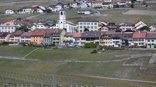 Selain dijadikan rute balap sepeda, Montreux juga menyajikan pemandangan indah di Swiss. Michael Steele-Velo/Getty Images