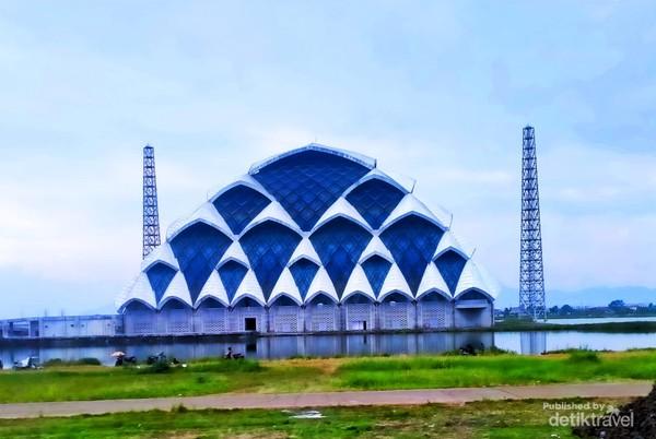 Masjid Terapung Gede Bage