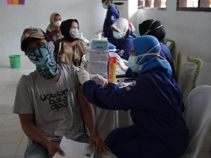 BAIS Gelar Serbuan Vaksinasi di Banyuwangi