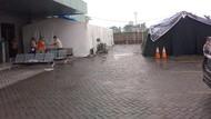 Bed Pasien COVID-19 Penuh, RS di Medan Dirikan Tenda Darurat