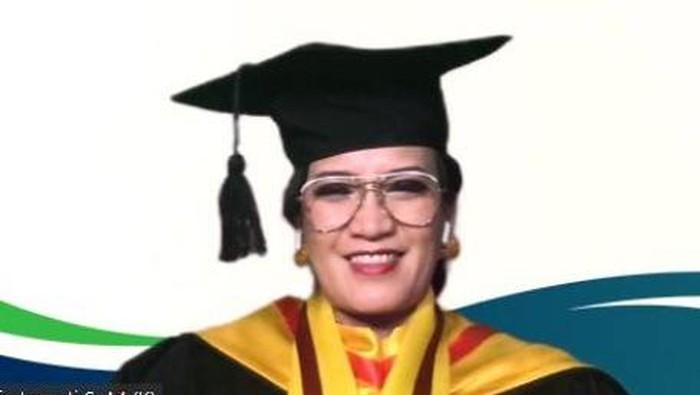 Dr dr Yunia Irawati, SpM(K)