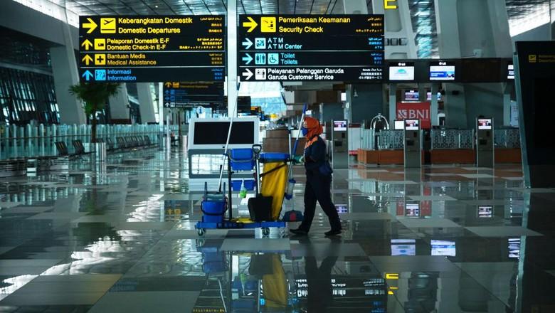 Bandara Soekarno-Hatta raih penghargaan dari dunia internasional Skytrax World Airport Awards 2021 sebagai peringkat 10 kategori Worlds Best Staff Airport 2021
