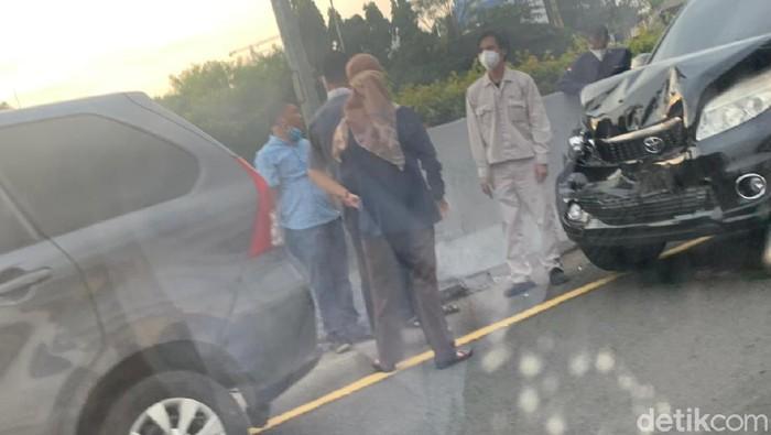 Kecelakaan beruntun di Jagorawi, Senin (9/8) pagi