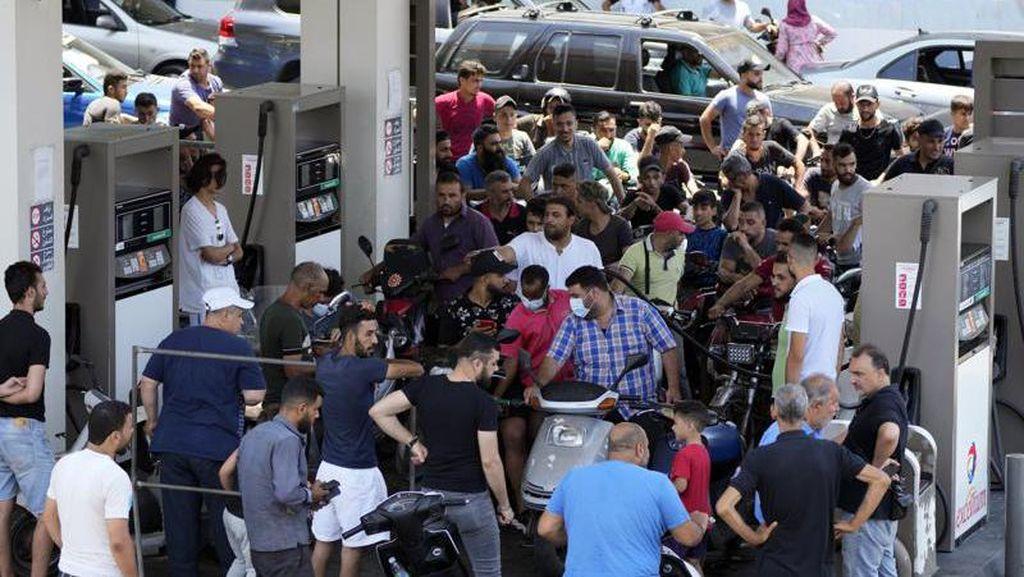 Krisis, Lebanon Naikkan Harga BBM Sampai 66%