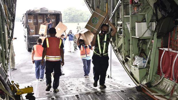 Bantuan alat kesehatan ke Sumatera (Dok TNI)
