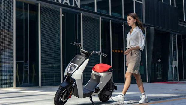 Skuter listrik Honda U-GO