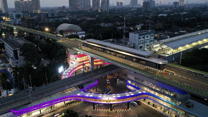 Infografis Penampakan terkini Skybridge MRT-TransJakarta CSW