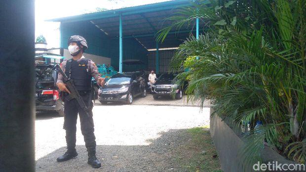 Petugas KPK mendatangi basecamp PT SW Purbalingga