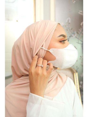 Hijab instant untuk para hijabers.