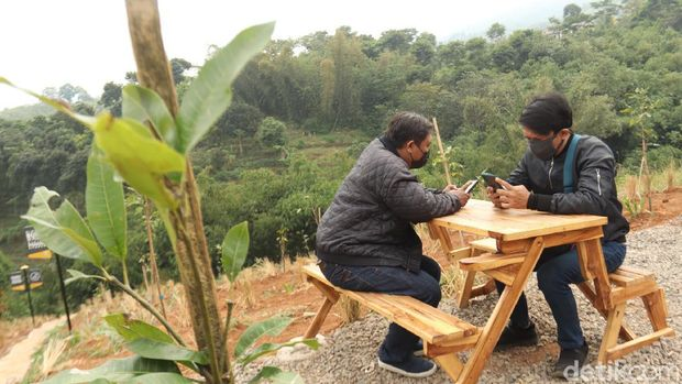 Lembah Tangga 100 di Bandung