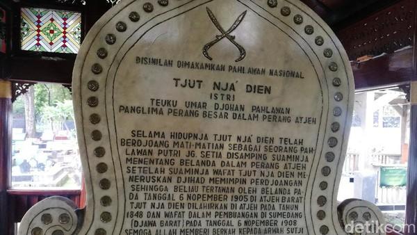 Asep mengatakan Makam Haji Sanusi adalah orang yang pertama merawat Tjut Nyak Dien saat diasingkan ke Sumedang oleh Kolonial Belanda pada masa itu.