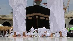 Arab Saudi Izinkan Jamaah Umrah RI Pakai Sinovac, Tapi Perlu Booster