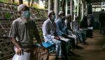 Pengungsi Rohingnya di Bangladesh Mulai Mendapatkan Vaksin COVID-19