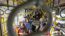 PPKM Level 2 di DKI, Angkutan Umum Bisa Angkut Penumpang 100% Kapasitas