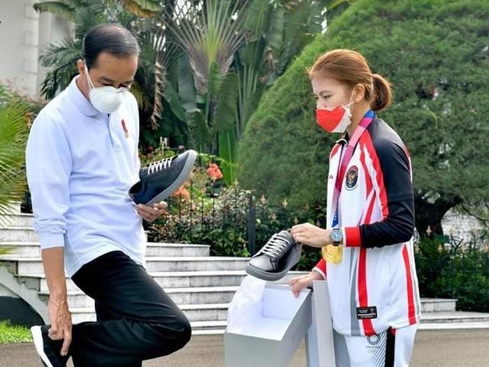 Jokowi, Greysia Polii