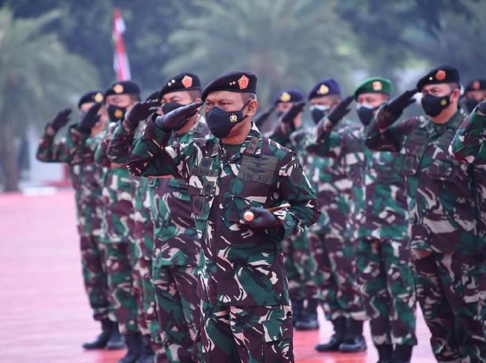 Panglima TNI Terima Laporan Kenaikan Pangkat 52 Perwira Tinggi