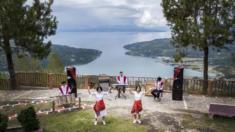 Promosikan Wisata Danau Toba Lewat Konser