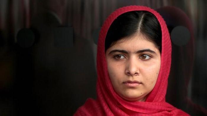 Malala Yousafzai menjadi sorotan saat dirinya ditembak pasukan Taliban pada 2012 lalu. Sempat jadi korban serangan, Malala tak gentar suarakan isu kemanusiaan.