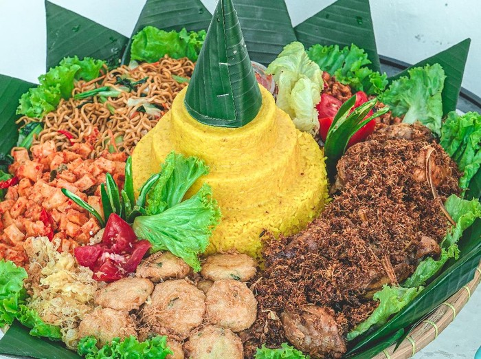 8 Resep Lauk Nasi Kuning Untuk Tumpeng 17 Agustus