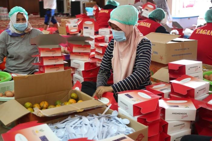 Bantu Masyarakat dan Nakes, CT ARSA Distribusikan Paket Makanan Sehat. (Dok CT ARSA)