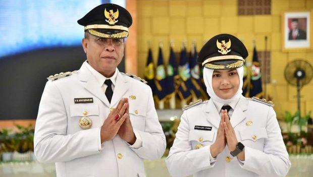 Bupati Madina Jakfar Sukhairi Nasution bersama Wakil Bupati Madina Atika Azmi Utammi Nasution (dok: Situs Resmi Pemkab Madina)