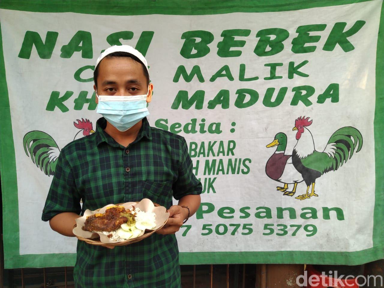 Laris Manis! Nasi Bebek Cak Malik Langganan Orang Kantoran di Jakpus