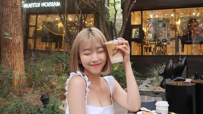 Sunny Dahye Ternyata Hobi Hangout dan Minum Kopi, Ini Momen Serunya
